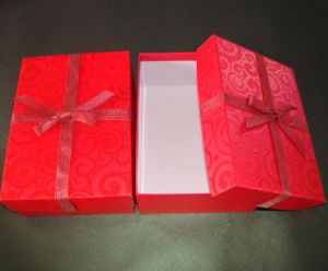High Quality Cheap Custom Eco-Friendly Fashion Gift Box pictures & photos