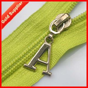 Yearly Output 10 Million Items Custom Locking Zipper Pull pictures & photos