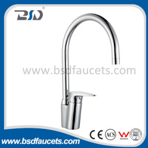 Popular Brass Single Handle Kitchen Faucet pictures & photos