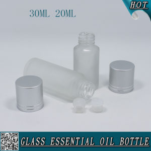 30ml 20ml Frosted Glass Bottle for Essential Oil with Matte Silver Cap pictures & photos