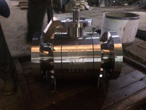 Dn15~Dn50 Worm Gear Operation   Flange Forged Steel Fixed Ball Valve pictures & photos