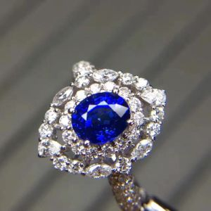 Fashion 925 Silver Ring with Oval Cut Cubic Zircon pictures & photos
