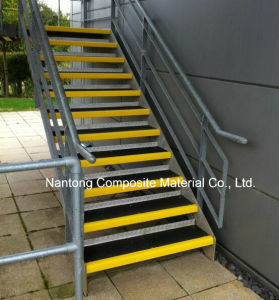 Anti-Slip Fiberglass Stair Tread/GRP FRP Products pictures & photos