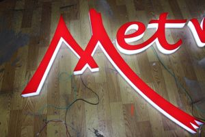 Full Lit Acrylic LED Light Channel Letters Sign pictures & photos