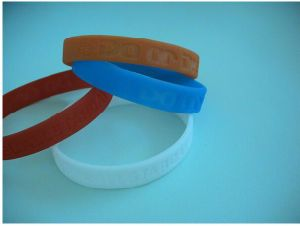 Personalized Silicone Bracelet, Silicone Fashion Bracelet, Bracelet Silicone pictures & photos
