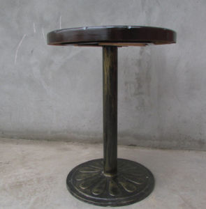 Solid Pine Wood Vintage Offee Table with Metal (M-X3005) pictures & photos