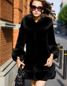 100% Genuine Rabbit Fur Coat with Fox Fur Collar Women New Fashion pictures & photos