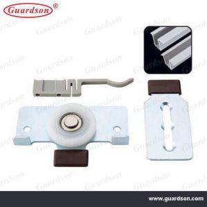 Wardrobe Slider Door Fitting (312070) pictures & photos