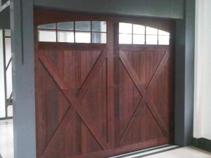Real Wood Sectional Garage Door pictures & photos