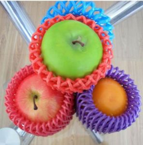 Factory Supplies White Black Green Red Yellow Blue Color Food Grade Plastic Net Fruit Packaging pictures & photos