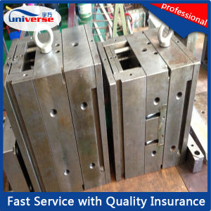 Small Plastic Injection Moulding pictures & photos