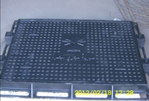 En124 D400 Ductile Iron Manhole Cover Frame with Lock System pictures & photos