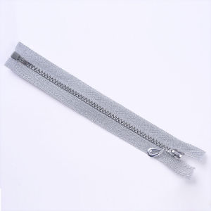 Plastic Zipper Silver Teeth Silver Tape with Fancy Puller pictures & photos