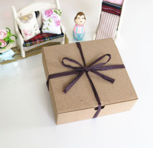 Fashion Paper Cardboard Biscuit Box with Competitive Price pictures & photos
