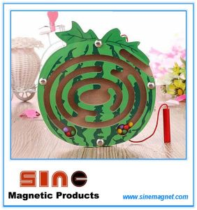 Fruit Shaped Wooden Magnetic Maze for Educational Toys pictures & photos