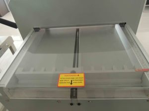 Electric Paper Cutting Machine 4605r pictures & photos