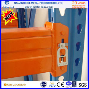 Widely Use in Industrial Heavy Duty Teardrop Racking pictures & photos