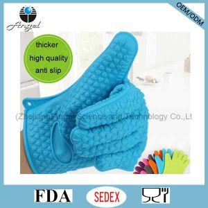 Heart Shape Five-Finger Silicone BBQ Glove Sg10