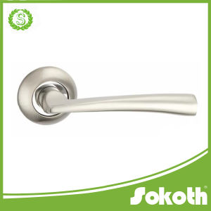 China Manufacturer Factory Aluminum Door Handle on Rose pictures & photos