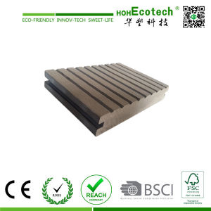 Outdoor Wood Plastic Composite Decking/ Anti-Slip Swimming Pool Decking Tile pictures & photos