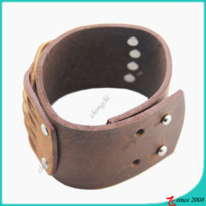 Fashion Brown Genuine Leather Stud Bracelet (LB) pictures & photos