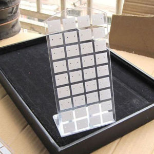 L Form Transparent Perspex Jewelry Display Stands, Eearring Display Counters pictures & photos