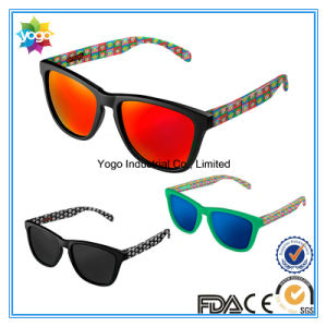 OEM Design UV400 Unisex Fashion Sports Sunglasses with Polarized Lens