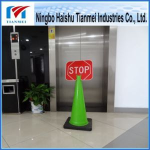 28′′ High Green Traffic Cone with Stop Sign, Notice Cone pictures & photos