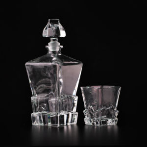 900ml Unique Whiskey Bottle Glass Decanter with Lid pictures & photos