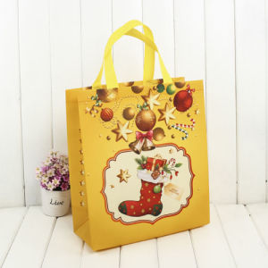 Luxurious Custom Printed Christmas Gift Bag in Stock pictures & photos