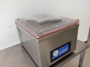 Single Chamber Desktop Vacuum Sealing Packaging Machine pictures & photos