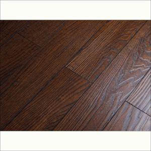 12mm Eir Surface V-Groove Laminate Flooring pictures & photos