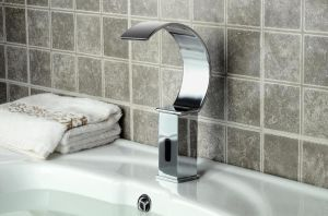 2015 New Waterfall Automatic Faucet pictures & photos