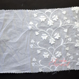 Flower Lace Fabrics Cotton Saree Embroidery Lace for Garment pictures & photos