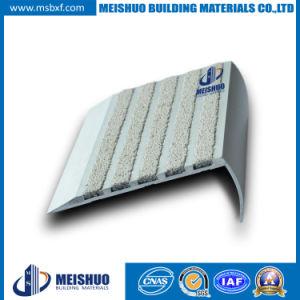 Outdoor Abrasive Nonslip Carborundum Stair Tread Nosing for Concrete pictures & photos