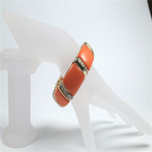 New Item Red Resin Acrylic Fashion Jewellery Stretch Bracelets pictures & photos