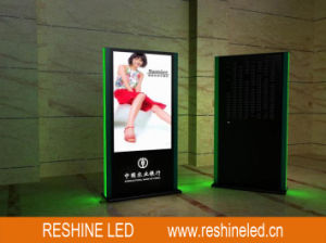Indoor Outdoor Portable Digital Advertising Media LED Display Screen/Poster/Player pictures & photos