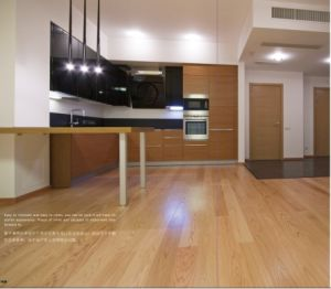 Prefinished Solid Oak Hardwood Parquet / Wood Flooring pictures & photos