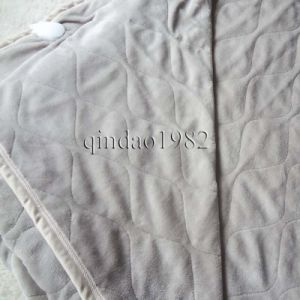 Luxury Flannel Electric Heated Throw for Warm Your Body pictures & photos