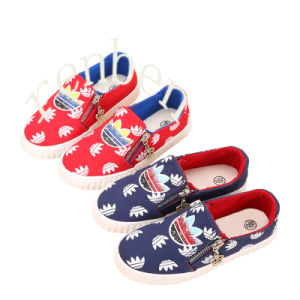 New Hot Popular Children′s Canvas Shoes pictures & photos