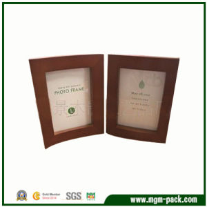 Customized Design Classic Wooden Photo Frame pictures & photos