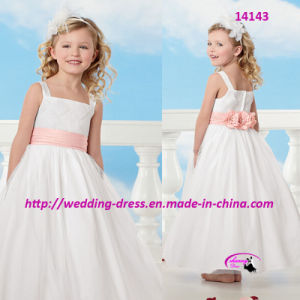 Lovely Pure Princess Flower Girls Dress for Wedding pictures & photos