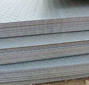 Ss400 Q235 Hot Rolled Tear Drop Checkered Steel Plate pictures & photos