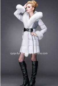 in The Women′s Long Down Coat of Cultivate One′s Morality Fox Collars Fur Coats pictures & photos