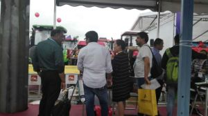 Aidi Brand 4WD Hst Diesel Engine Machine Boom Sprayer for Rice\Paddy\Soybean\Corn Field pictures & photos