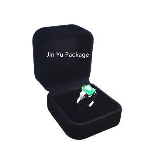 Elegant Black Velvet Jewelry Gift Packing Box for Ring pictures & photos