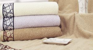 100% Cotton Bath Towel 70*140cm (LDXU-1305) pictures & photos