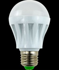 Yaye Top Sell & Top Good Price 3W/5W/7W/9W/12W E27 LED Bulbs with 2 Years Warranty (YAYE-GDLB7WC) pictures & photos