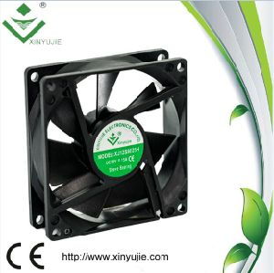 Sleeve Bearing Fan for Car 2016 Low Noise High Quality DC Cooler Fan pictures & photos