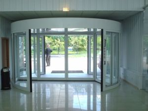 Automatic Revolving Door, Two Wings, Lenze Motor, Sliding Auto Door by Dunker Motor pictures & photos